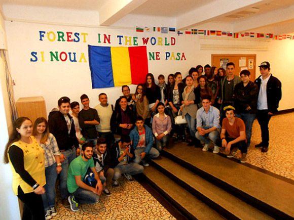 Cuatro alumnos del IES Salvador Sandoval torre+¦o ganan un concurso nacional y viajan a Ruman+¡a2