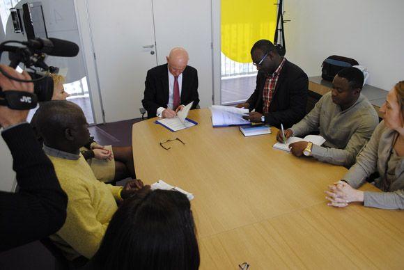 El Ayuntamiento torre+¦o y la Federaci+¦n de Asociaciones Africanas de Murcia firman un convenio de colaboraci+¦n2
