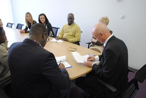 El Ayuntamiento torre+¦o y la Federaci+¦n de Asociaciones Africanas de Murcia firman un convenio de colaboraci+¦n3