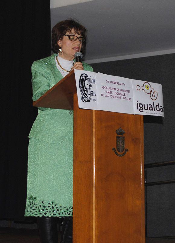 La asociaci+¦n de mujeres Isabel Gonz+ílez torre+¦a celebra su XX aniversario por todo lo alto3