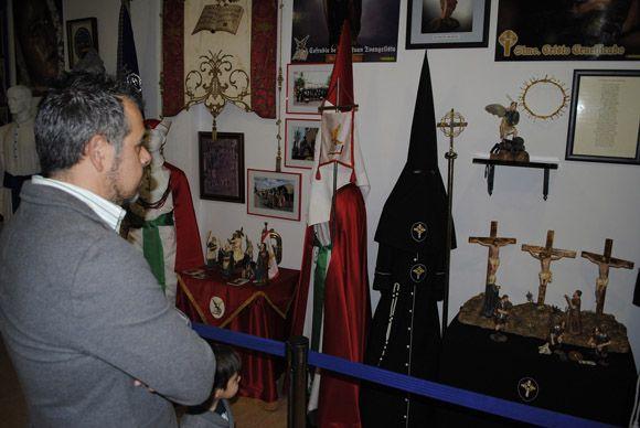 Las Torres de Cotillas arropa al Cabildo Superior de Cofrad+¡as en la inauguraci+¦n de su muestra permanente de la Semana Santa3