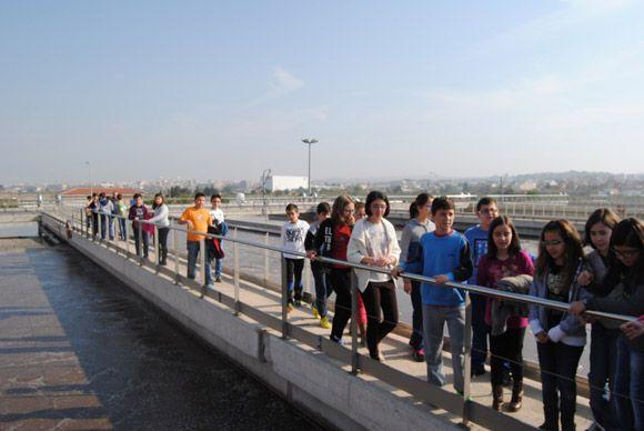 Los escolares torre+¦os visitan la EDAR con las campa+¦as medioambientales municipales4