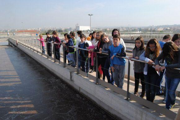 Los escolares torre+¦os visitan la EDAR con las campa+¦as medioambientales municipales5