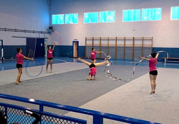 Una exhibici+¦n de gimnasia r+¡tmica re+¦ne a cerca de medio centenar de participantes en Las Torres de Cotillas2