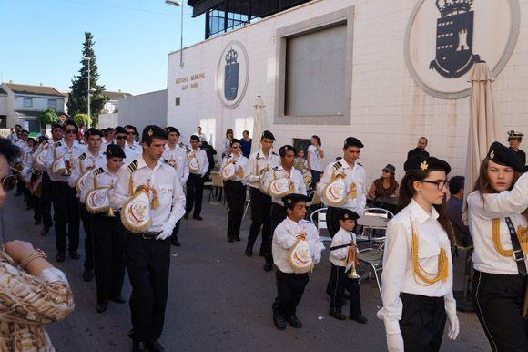 Los tambores y cornetas torre+¦os dan la bienvenida a la Semana Santa local2