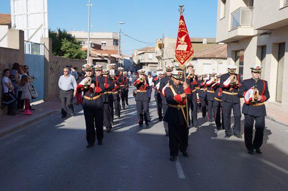Los tambores y cornetas torre+¦os dan la bienvenida a la Semana Santa local3