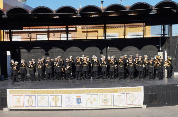 Los tambores y cornetas torre+¦os dan la bienvenida a la Semana Santa local5