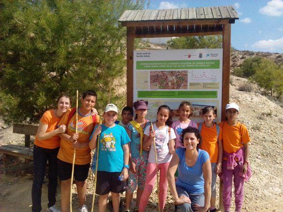 El taller juvenil de ocio saludable del barrio del Carmen torre+¦o se fue de excursi+¦n 3