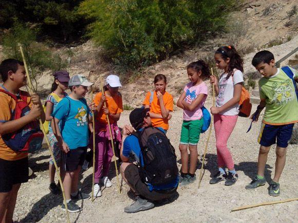 El taller juvenil de ocio saludable del barrio del Carmen torre+¦o se fue de excursi+¦n