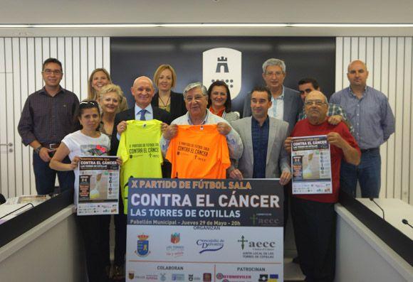Las Torres de Cotillas se cita un a+¦o m+ís con el bal+¦n para recaudar fondos contra el c+íncer