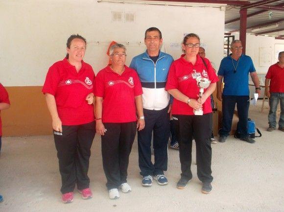"""Las jugadoras del """"Club Petanca La Salceda"""" torreño campeonas regionales e1430321792609"""