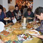 La asociación de mujeres 'Isabel González' comienza a disfrutar la Navidad con su tradicional degustación de dulces6