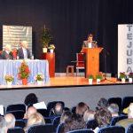 Sentido homenaje al ex alcalde Domingo Coronado del grupo 'Tejuba' y la asociación literaria 'Las Torres'6