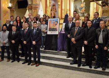 El Cristo Crucificado y el arcángel San Miguel protagonistas del cartel de la Semana Santa10