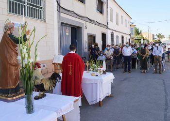 El barrio torreño de San Pedro celebra la onomástica de su patrón con una misa