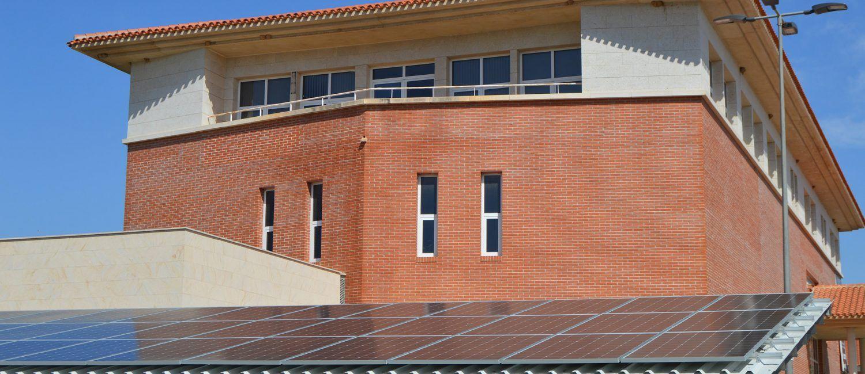Comienza la instalación del sistema fotovoltaico de la Casa de la Cultura Pedro Serna2