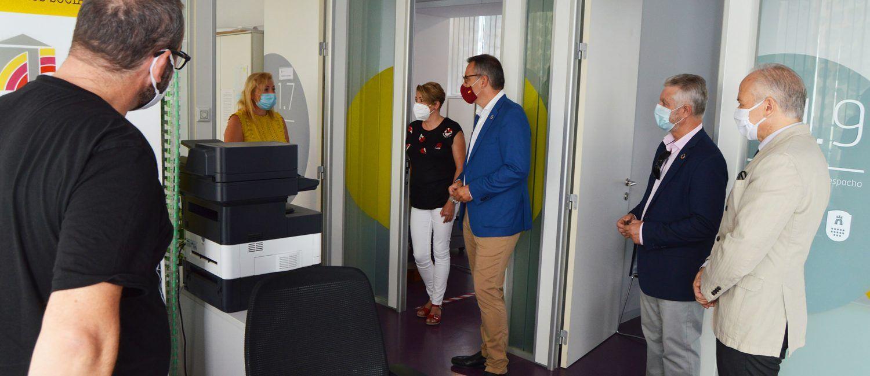 El portavoz del grupo socialista en la Asamblea Regional Diego Conesa visita Las Torres de Cotillas