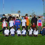 Cerca de 20 jóvenes torreños participan en un gymkana de atletismo en el polideportivo municipal