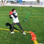 Cerca de 20 jóvenes torreños participan en un gymkana de atletismo en el polideportivo municipal3