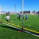 Cerca de 20 jóvenes torreños participan en un gymkana de atletismo en el polideportivo municipal5