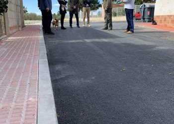 El paraje de Los Risos ya luce renovados sus aceras y asfaltado2