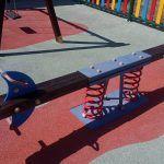 Renovada la zona de juegos infantiles del CAI Titina3