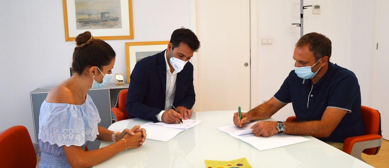 El Ayuntamiento y ASAJA firman un convenio para desarrollar acciones formativas