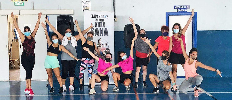 """Divertida y saludable sesión de zumba en los """"Domingos saludables"""" de Las Torres de Cotillas"""